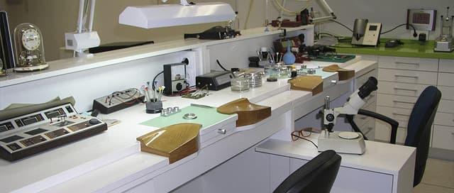 Quiroga Reparación Relojes Sevilla zona trabajo
