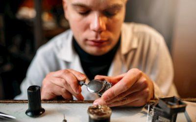 Herramientas de los relojeros: Cuáles utilizan y para que sirven