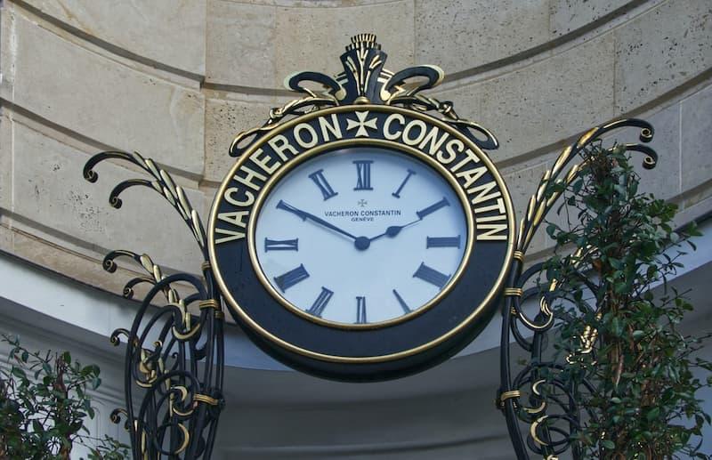 Reloj mecánico de pared